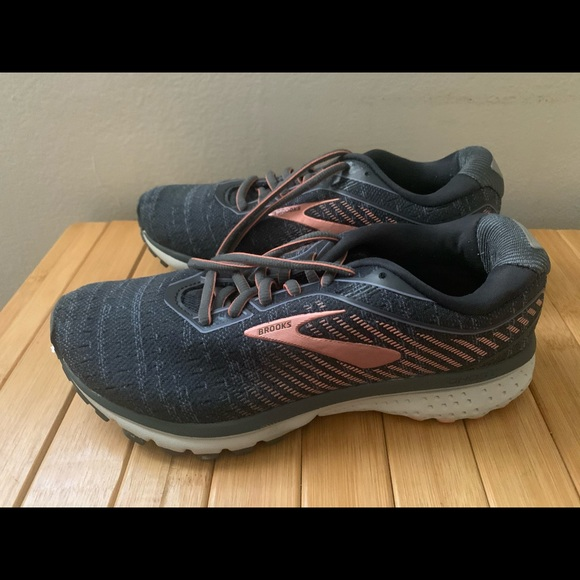 Womens Brooks Ghost 2 Running Shoes Sz